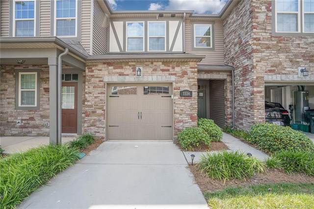 7224 Lochy Lane, Charlotte, NC 28278 (#3634216) :: Johnson Property Group - Keller Williams