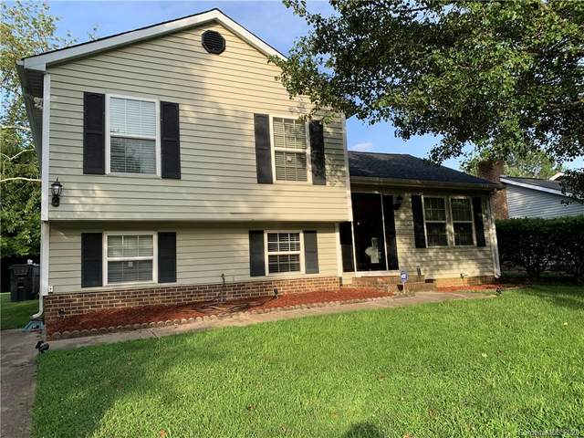 2935 Old House Circle, Matthews, NC 28105 (#3635157) :: SearchCharlotte.com