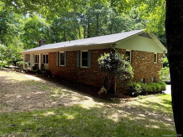 2514 Kanuga Road, Hendersonville, NC 28739 (#3635445) :: Caulder Realty and Land Co.