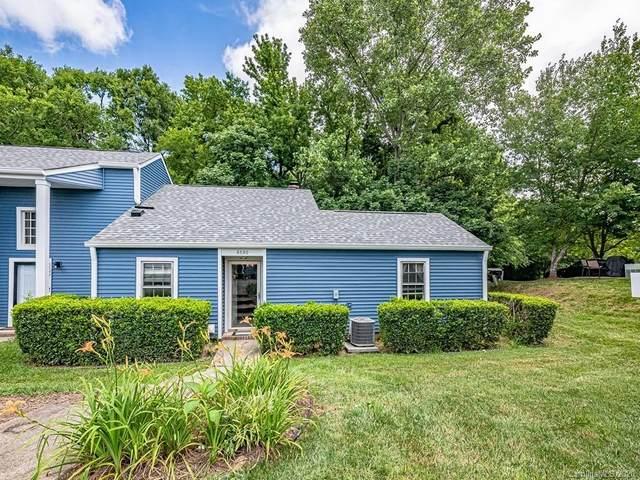 6530 Point Comfort Lane, Charlotte, NC 28226 (#3635698) :: Robert Greene Real Estate, Inc.