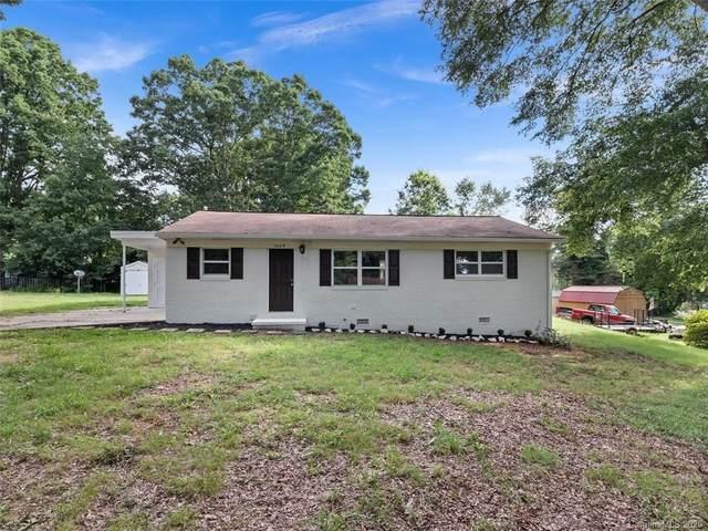 1609 Scott Road, Statesville, NC 28625 (#3636479) :: Robert Greene Real Estate, Inc.
