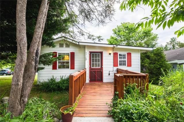 551 Israel Street, Hendersonville, NC 28739 (#3636587) :: Mossy Oak Properties Land and Luxury