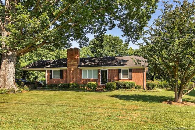 1627 Peachtree Road, Charlotte, NC 28216 (#3636964) :: Rowena Patton's All-Star Powerhouse