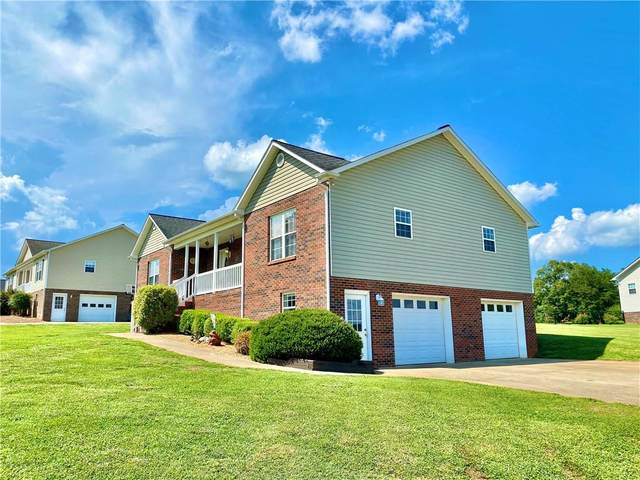 5229 S Oak Circle, Granite Falls, NC 28630 (#3637040) :: Carver Pressley, REALTORS®