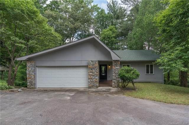 136 Pinehurst Drive, Hendersonville, NC 28792 (#3637419) :: Besecker Homes Team