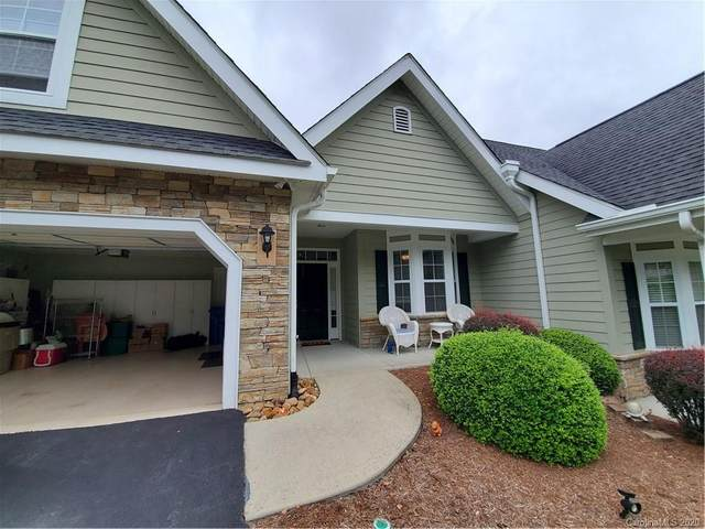 30 Muir Lane, Hendersonville, NC 28791 (#3638586) :: LePage Johnson Realty Group, LLC