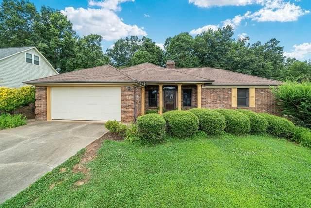 6067 Gold Creek Estate Drive, Hickory, NC 28601 (#3638905) :: Rinehart Realty