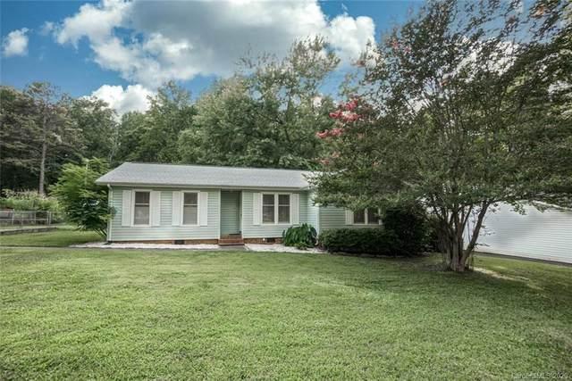 7405 Cedarbrook Drive #64, Charlotte, NC 28215 (#3639298) :: Johnson Property Group - Keller Williams