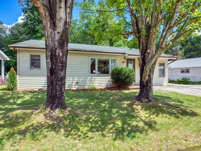 1095 Sulphur Springs Road, Waynesville, NC 28786 (#3639639) :: Bigach2Follow with Keller Williams Realty