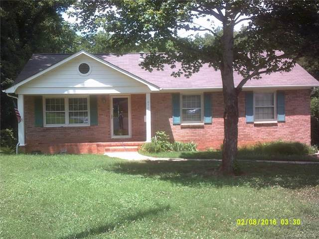 6700 Woodstock Drive, Charlotte, NC 28210 (#3639816) :: LePage Johnson Realty Group, LLC