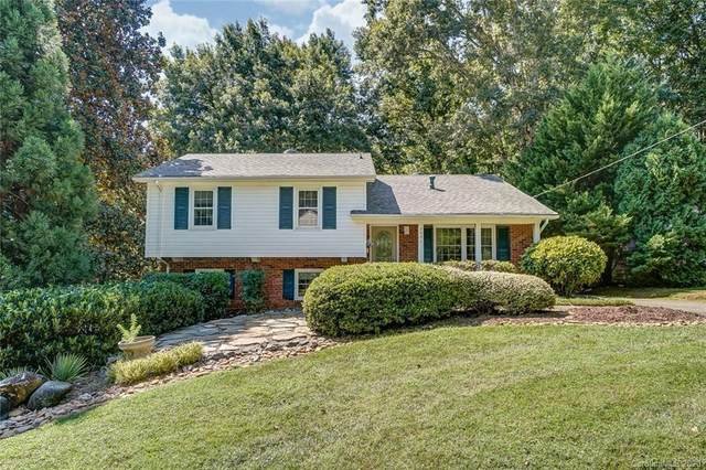 7001 Brynhurst Drive, Charlotte, NC 28210 (#3641316) :: Robert Greene Real Estate, Inc.