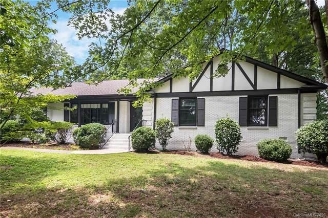 6932 Knightswood Drive, Charlotte, NC 28226 (#3642394) :: Robert Greene Real Estate, Inc.