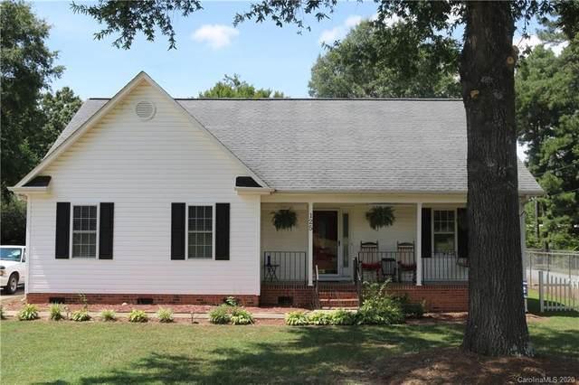 125 E 10th Street, Oakboro, NC 28129 (#3642859) :: LePage Johnson Realty Group, LLC
