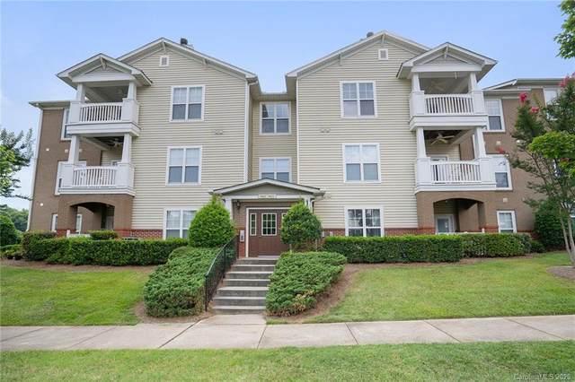 9031 Mcdowell Creek Court #9031, Cornelius, NC 28031 (#3643875) :: Cloninger Properties
