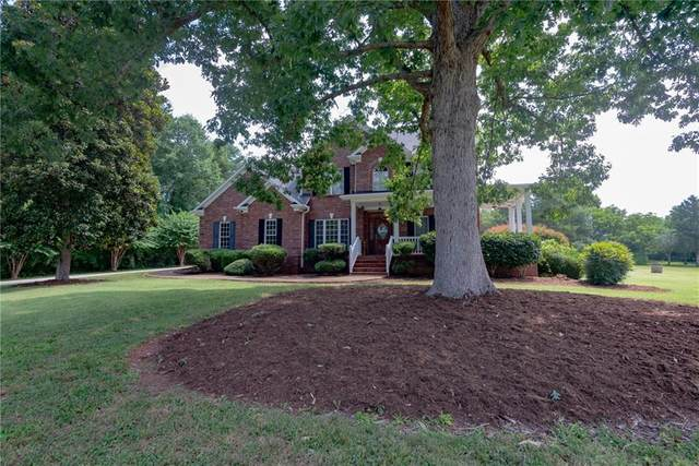 1874 Twin Ponds Drive, Hickory, NC 28602 (#3644805) :: High Performance Real Estate Advisors
