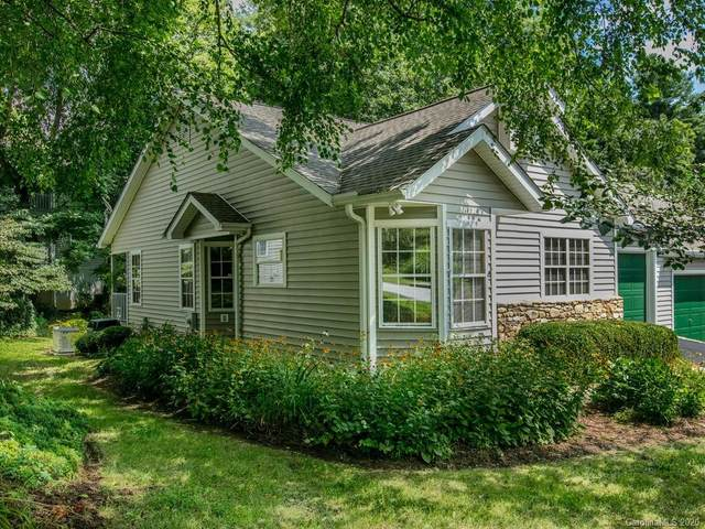 174 Laurel Park Place, Hendersonville, NC 28791 (#3645304) :: Rowena Patton's All-Star Powerhouse