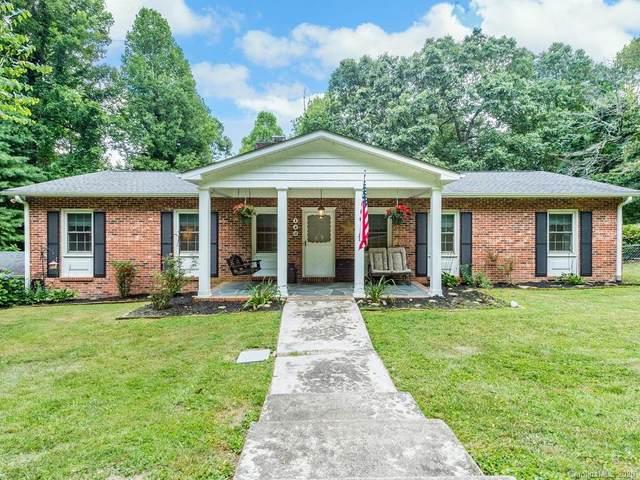 143 Beechwood Circle, Hendersonville, NC 28739 (#3646595) :: High Performance Real Estate Advisors