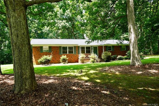 2741 Suburban Drive, Charlotte, NC 28269 (#3646713) :: Robert Greene Real Estate, Inc.