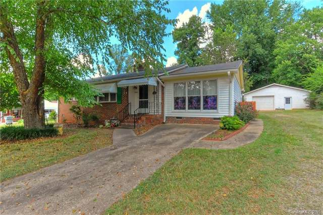 5700 Paw Creek Road, Charlotte, NC 28214 (#3646875) :: Rinehart Realty