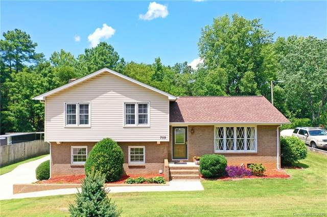 709 Braxfield Drive, Charlotte, NC 28217 (#3646903) :: Robert Greene Real Estate, Inc.