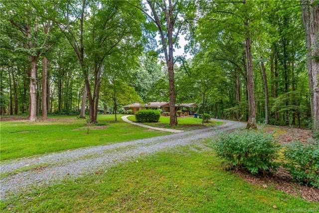 1916 Fair Forest Drive, Matthews, NC 28105 (#3647837) :: Ann Rudd Group