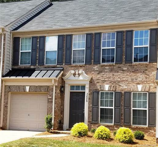 3226 Park South Station Boulevard, Charlotte, NC 28210 (#3647962) :: Homes Charlotte
