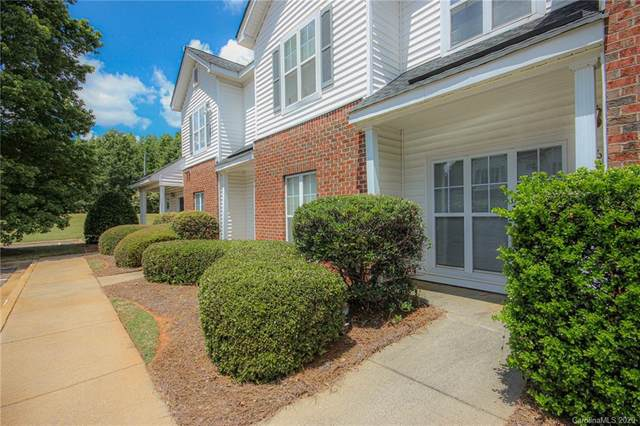 6468 Mallard View Lane, Charlotte, NC 28269 (#3648427) :: Charlotte Home Experts