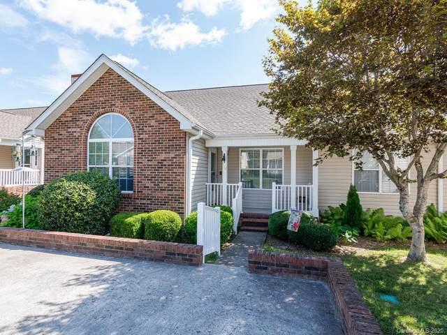 34 N Woodridge View Court, Hendersonville, NC 28791 (#3648454) :: Carlyle Properties