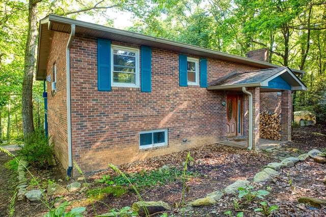 33 Milburn Lane, Hendersonville, NC 28792 (#3648592) :: Rowena Patton's All-Star Powerhouse