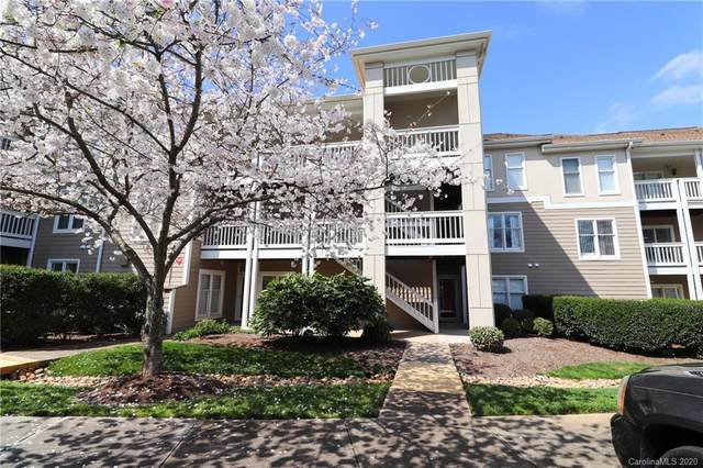 18587 Vineyard Point Lane, Cornelius, NC 28031 (#3648951) :: Rinehart Realty