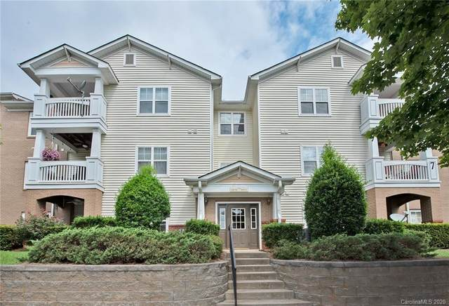 19773 Deer Valley Drive, Cornelius, NC 28031 (#3651123) :: The KBS GROUP