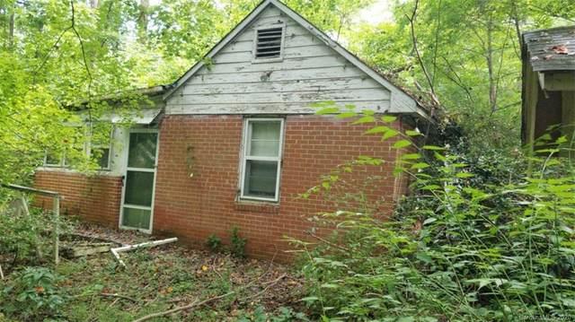 2435 Dogwood Circle, Charlotte, NC 28208 (#3651324) :: The Mitchell Team