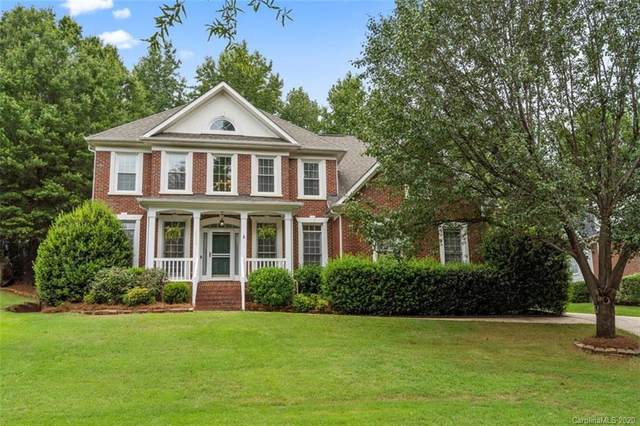 3317 Carlisle Court, Fort Mill, SC 29715 (#3652072) :: Charlotte Home Experts