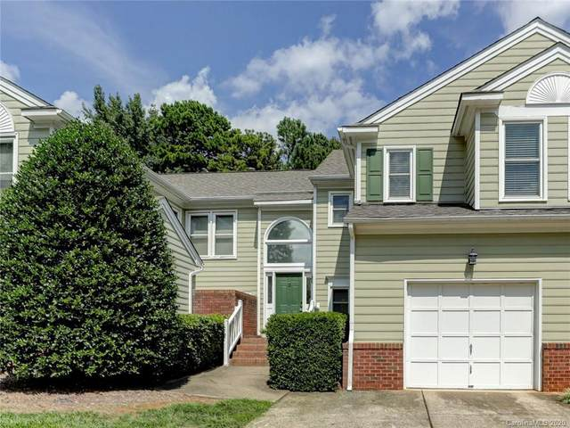 8522 Fox Chase Lane, Charlotte, NC 28269 (#3652688) :: Charlotte Home Experts