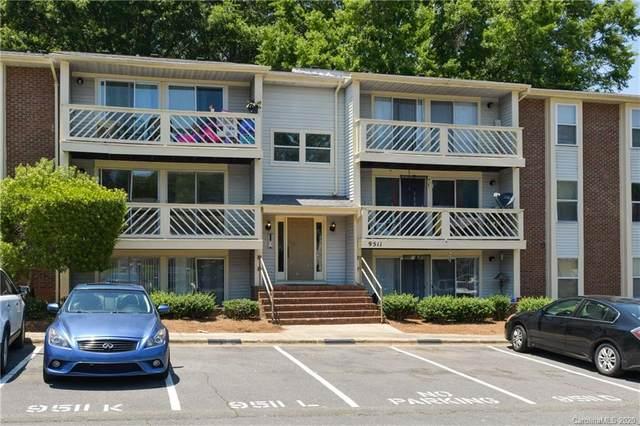 9511 Shannon Green Drive E, Charlotte, NC 28213 (#3653077) :: Charlotte Home Experts