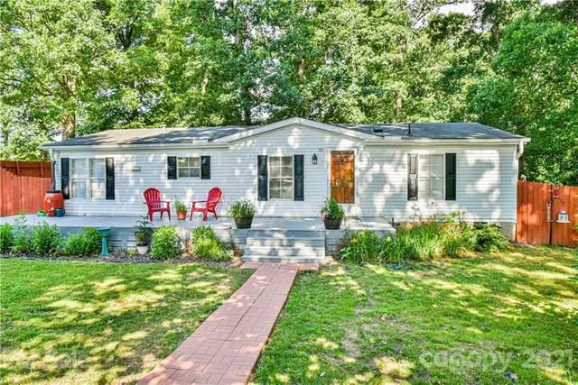 31 English Oaks Drive, Candler, NC 28715 (#3653551) :: Lake Wylie Realty