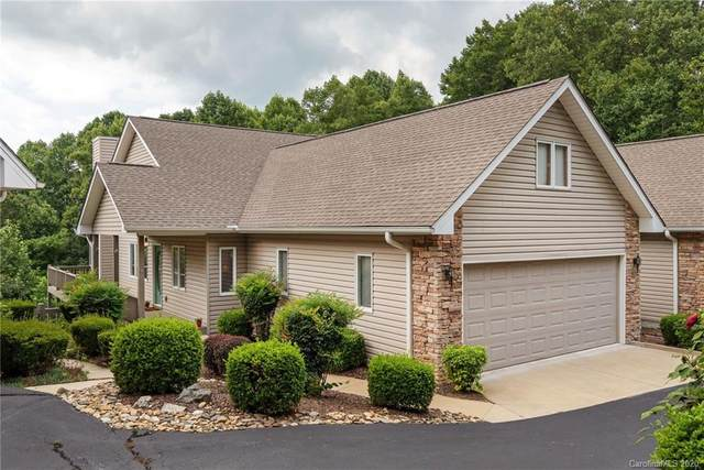 2206 E Cumming Woods Lane #10, Hendersonville, NC 28739 (#3654661) :: Stephen Cooley Real Estate Group