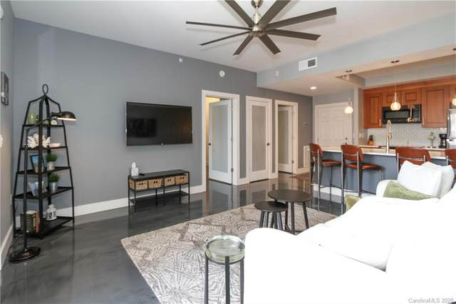 300 W 5th Street #428, Charlotte, NC 28202 (#3655611) :: High Performance Real Estate Advisors