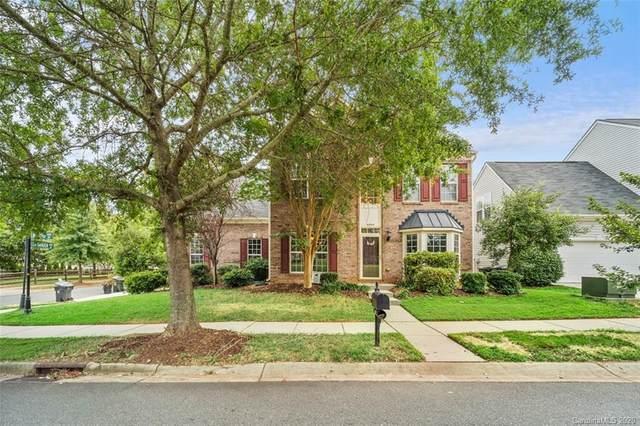 6844 Olmsford Drive, Huntersville, NC 28078 (#3656163) :: Johnson Property Group - Keller Williams