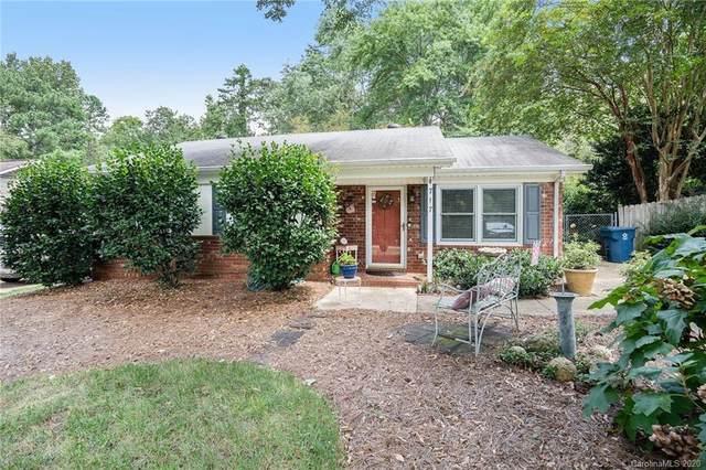 717 E John Street, Matthews, NC 28105 (#3656288) :: Johnson Property Group - Keller Williams