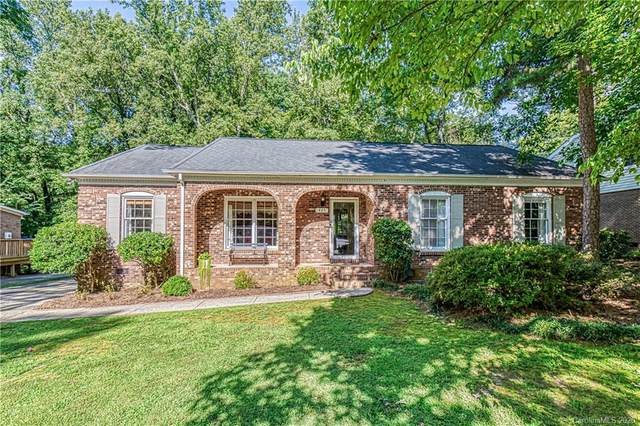 425 Morning Dale Road, Matthews, NC 28105 (#3656732) :: Rinehart Realty