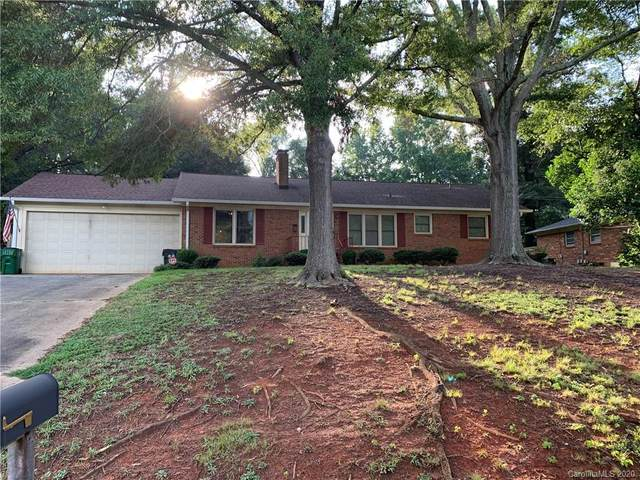 6211 Lake Forest Road, Charlotte, NC 28227 (#3657727) :: Rinehart Realty