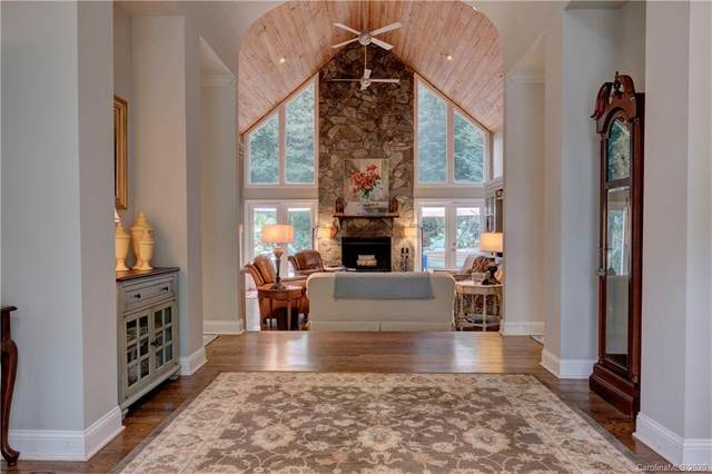 78 Fairway Ridge, Lake Wylie, SC 29710 (#3659403) :: Johnson Property Group - Keller Williams