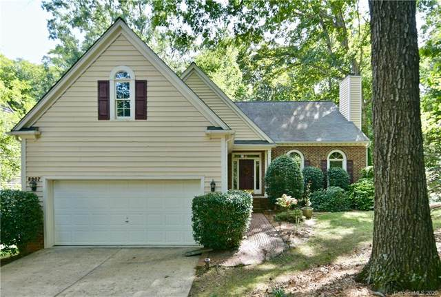 8907 Twin Trail Drive, Huntersville, NC 28078 (#3660814) :: Carver Pressley, REALTORS®