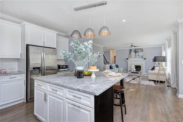 7007 Three Wood Drive, Matthews, NC 28104 (#3661333) :: Love Real Estate NC/SC