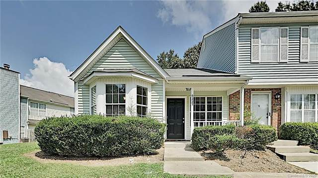 6223 Windsor Gate Lane, Charlotte, NC 28215 (#3661662) :: Charlotte Home Experts
