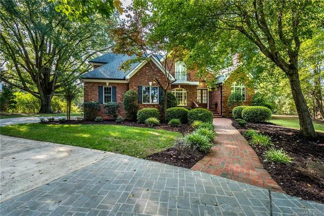 2915 Divot Court, Matthews, NC 28104 (#3662743) :: High Performance Real Estate Advisors