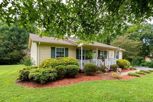 5426 Chestnut Drive, Hickory, NC 28602 (#3662746) :: MartinGroup Properties