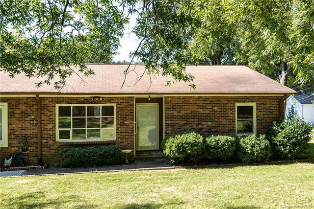 733 10th Avenue NE, Hickory, NC 28601 (#3664745) :: DK Professionals Realty Lake Lure Inc.