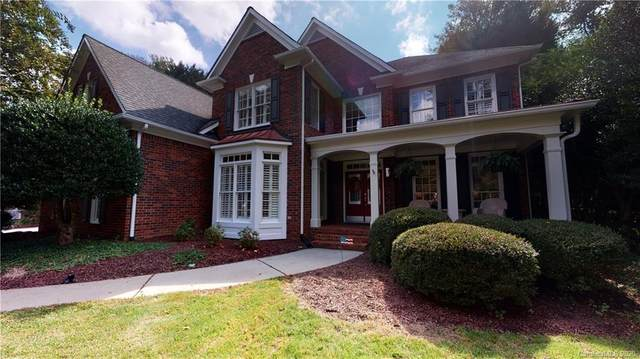 18425 Indian Oaks Lane, Davidson, NC 28036 (#3665108) :: The Mitchell Team